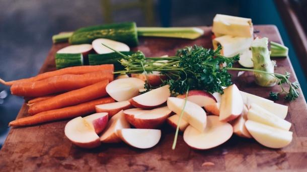 food waste, food hack, life hack, kitchen hack, reduce waste, leftovers, vegetables, kitchen prep, meal prep, cooking, vegan cooking